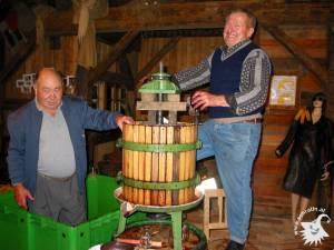 20021003-Weinpressen-16