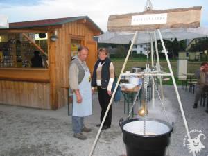 20031002-Weinpressen-16